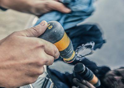 Kratzer aus Autolack entfernen